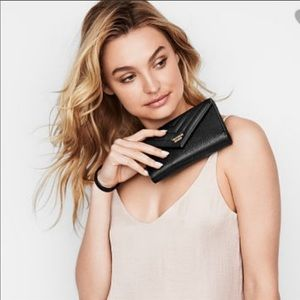 NWT VS black wristlet